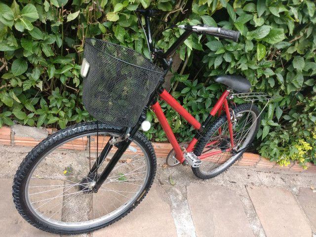 Bicicleta muito boa com pneus e câmeras novas