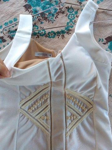 Vestido Branco Audiovisual - Foto 2