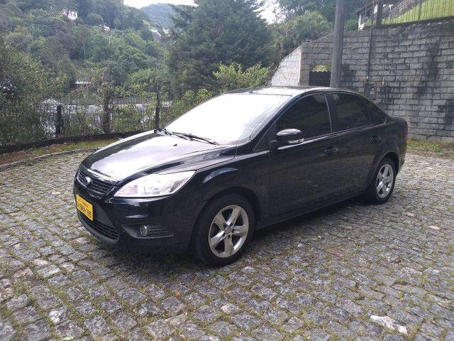 Focus sedan automático 2011 - Foto 7
