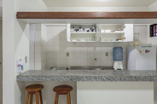 Flat 305 tipo studio, hospeda 03 pessoas, sendo uma cama de casal mais 01 cama de solteiro - Foto 2