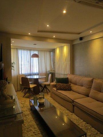 Apartamento três suítes, projetado, andar privilegiado!