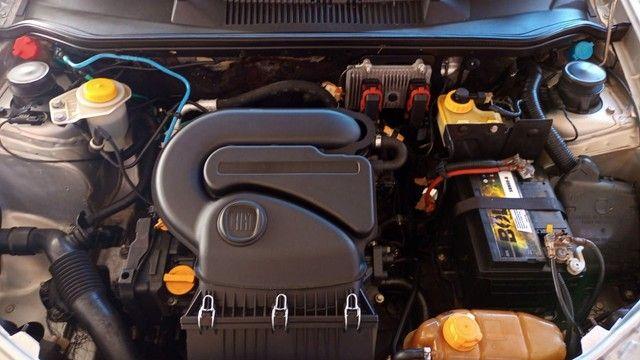 Fiat strada 2018 com ar condicionado e direção hidráulica  - Foto 5