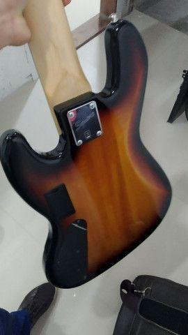Baixo ativo Squier Jazz Bass Delux V - Foto 6
