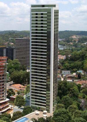 Apartamento com 204m, 4 suítes,3 vagas em Casa Forte Padrão Moura Dubeux