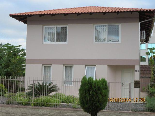 Excelente Residência - Saguaçu