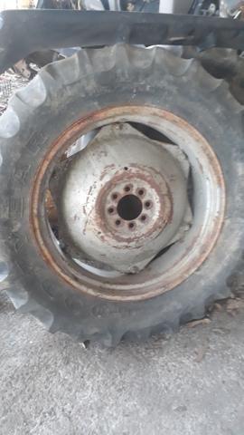 Roda para trator