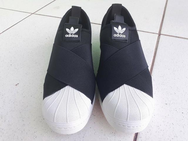 Tênis Adidas Superstars Slip On - Foto 2