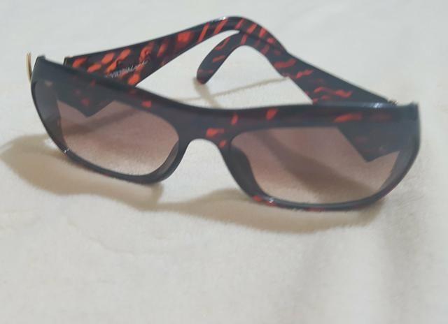 7fdf0bff17ad5 Óculos importados originais usados - Bijouterias