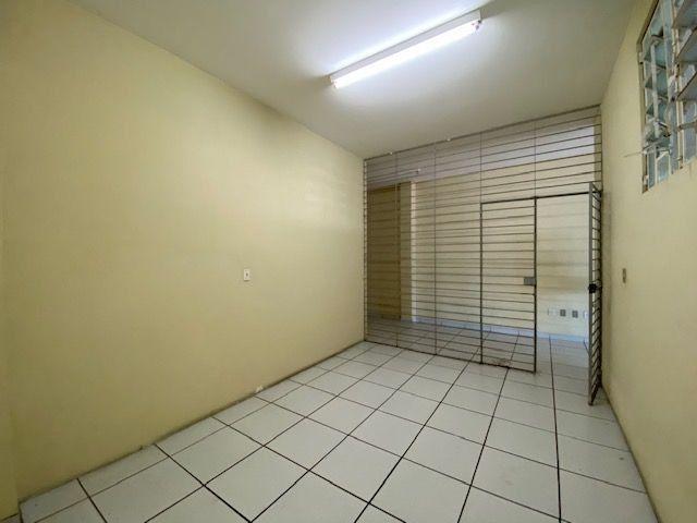 Imóvel comercial em Olinda composto dois amplos salões e 6 salas em avenida principal - Foto 13