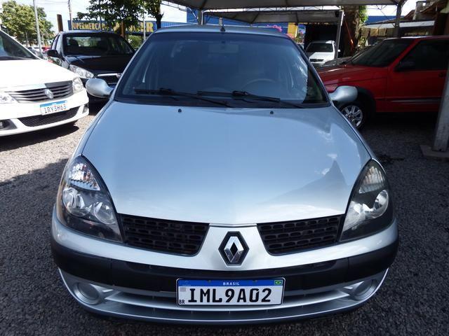 Clio sedan Privilege 1.0 completo ano 2005 - Foto 5