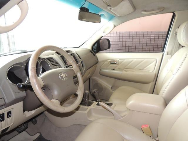 Toyota Hilux SW4 SRV 3.0 4x4 Diesel 5 Lugares - Foto 3