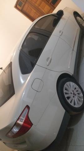 Carro Siena 1.6 completo 35 mil qual quer coisa chama no zap 9  * - Foto 2
