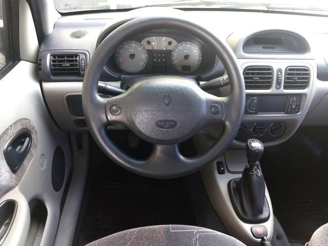 Clio sedan Privilege 1.0 completo ano 2005 - Foto 8