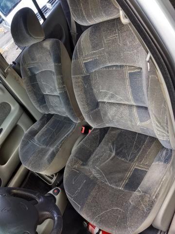 Clio sedan Privilege 1.0 completo ano 2005 - Foto 14