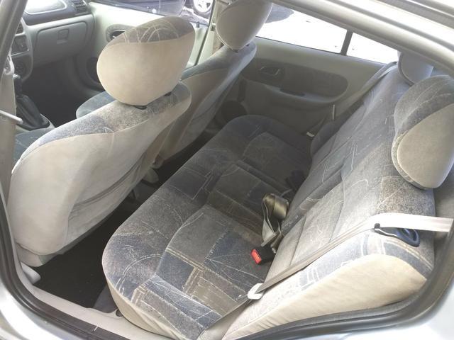 Clio sedan Privilege 1.0 completo ano 2005 - Foto 16