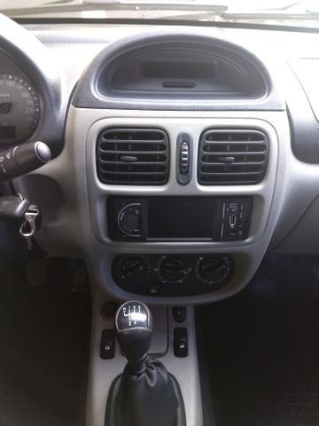 Clio sedan Privilege 1.0 completo ano 2005 - Foto 9