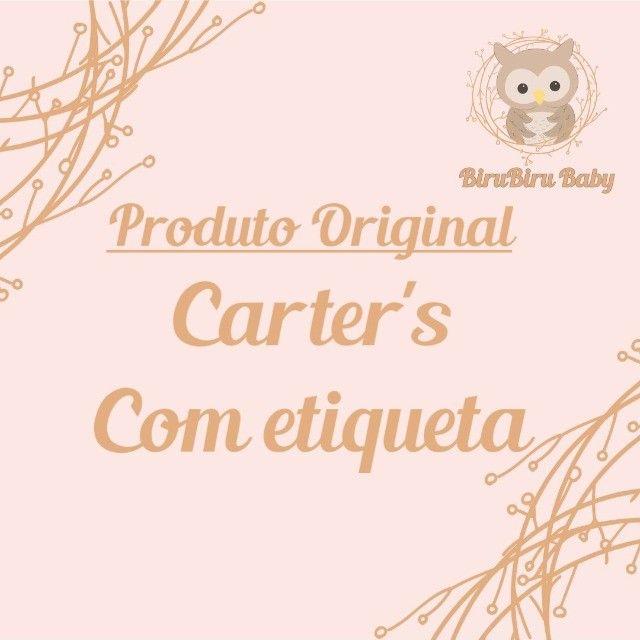 Kit c/ 2 Macacões Bebê Longo c/ Ziper - Tema: Coração/Florido Carters - Tam: 6 Meses - Foto 2