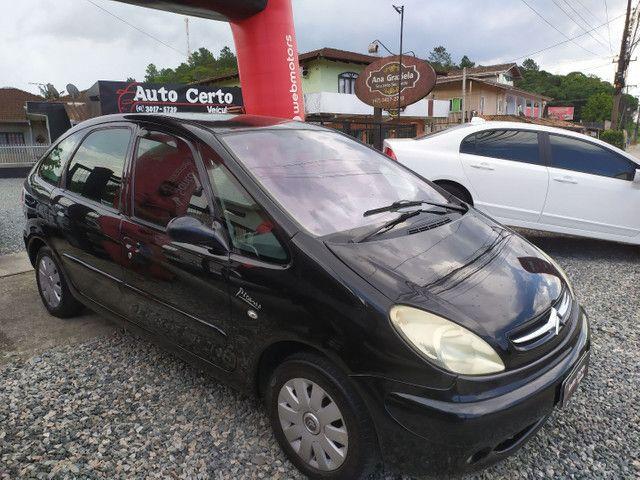 Citroën Xsara Picasso 2.0 Exclusive 2005<br>Automática - Foto 4