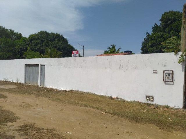 Bela casa na Estrada do Coco, atrás do Outlet Premium - Foto 10