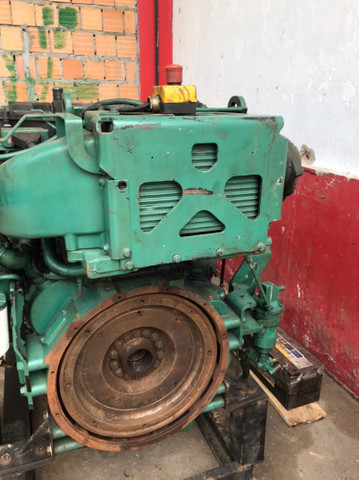 Motor marítimo Volvo 750 hp - Foto 2