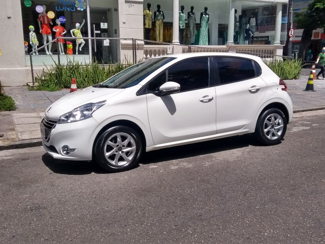 Peugeot/208 active pack ano 2015 - Foto 7