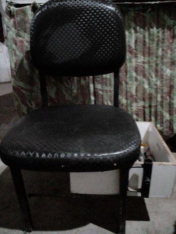 Vendo essa cadeira de manicure