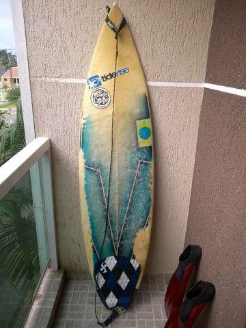 Prancha Surf TideRise + Nadadeira Mergulho SeaSub