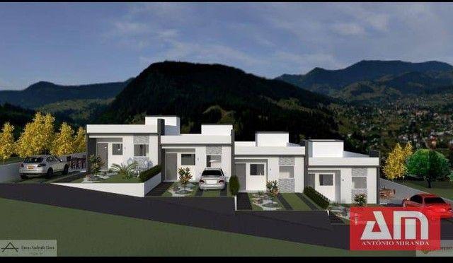 Residencial com 6 casas com excelente localização e acesso por rua calçada e uma vista exc