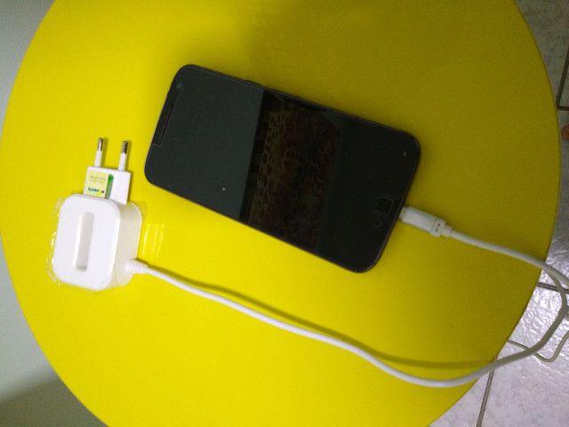 Vendo smartphone Motorola motog4 com nota fiscal