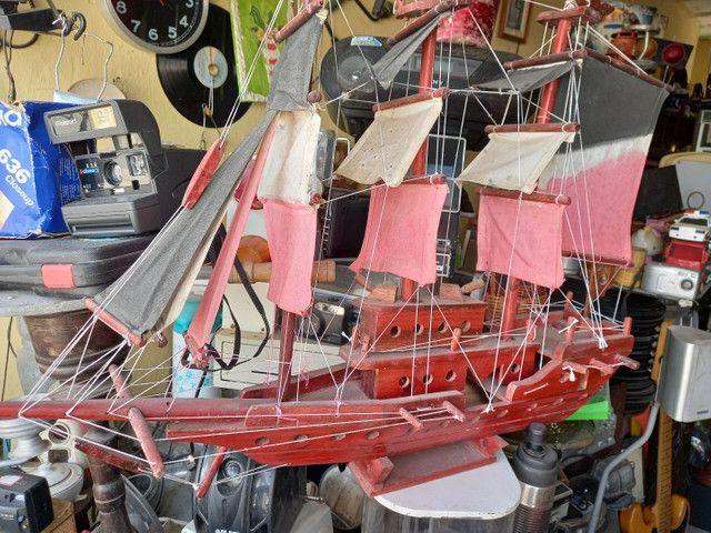 Barco antigo madeira .leia a  baixo