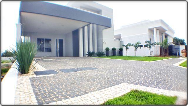 Casa 3 Suítes, sendo 1 c/ closet, 205 m² no Aldeia do Sol