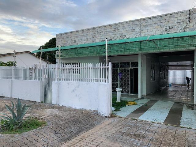 Aluga-se está Casa no Bairro Centro (Próximo ao Senac) R$ 2.500