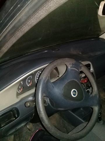 Vende-se carro Fiat palio 2005 - Foto 2