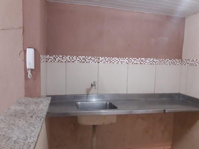 Alugo casa no Álvaro Weyne com 03 quartos - Foto 11