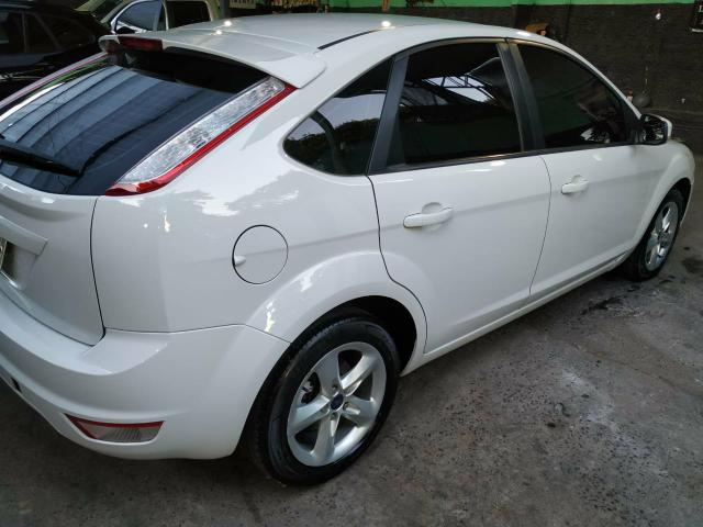 Ford focus hatch 1.6 glx 2013 35.000 r$ - Foto 2