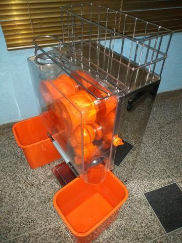Vendo uma máquina de fazer suco de laranja novinha - Foto 2