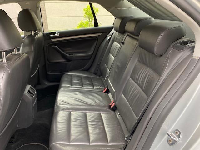 VW Jetta 2.5 automatico / Tiptronic 2008 + Teto solar - Particular - Foto 11