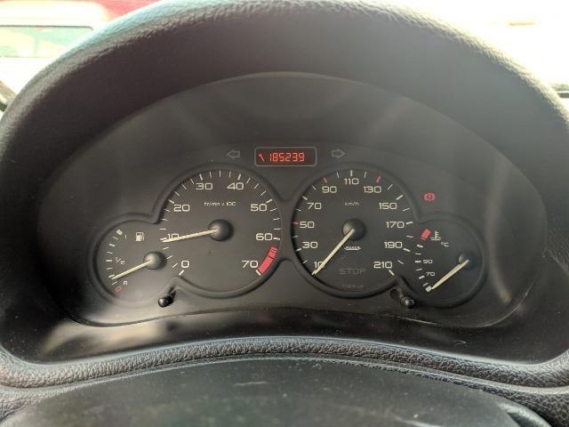 Peugeot 206 1.6 Presence 16V Flex 4P Manual - 2005 - Foto 5