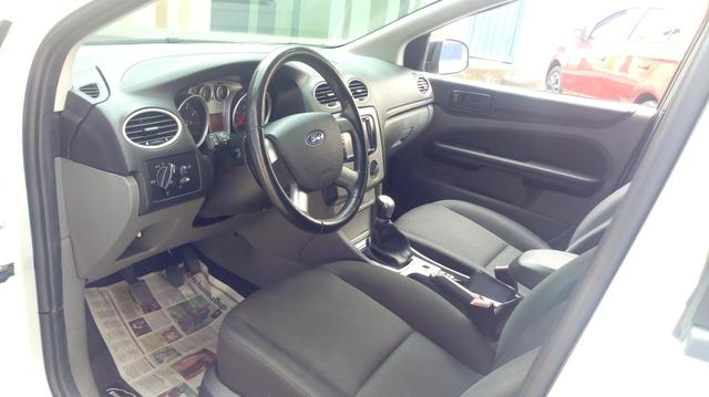 Focus Hatch 1.6 - Foto 4