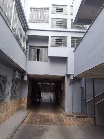 Vendo - Apartamento de 1 dormitório no centro de São Lourenço/MG