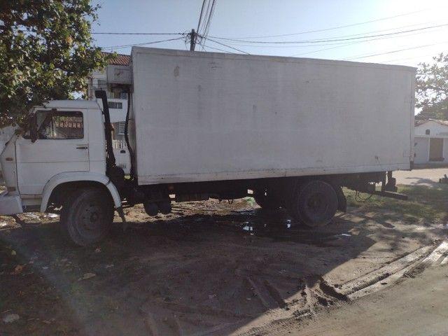 Caminhão 12140 baú refrigerado - Foto 3