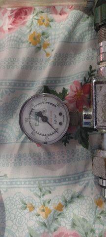 Regulador de pressão com fluxometro  - Foto 2