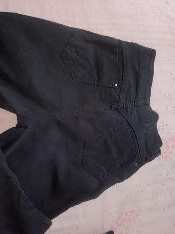 Calça preta - Foto 2