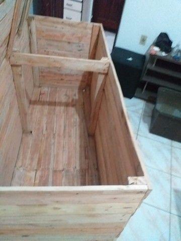 Vendo Baú de madeira - Foto 3