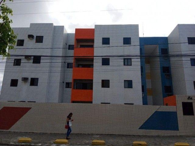 Apartamento nos Bancários com 3 quartos e garagem. Pronto para morar!!!