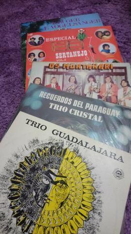 Discos músicas diversas: mexicana, paraguaia, sertanejo e banda alemã