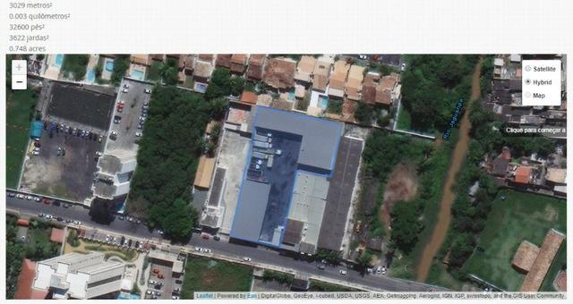 Área de 3100 m² com escritório e galpão