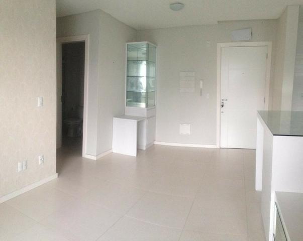 Apartamento 2 dormitórios sendo 1 suíte, em ótima localização no centro!! - Foto 2