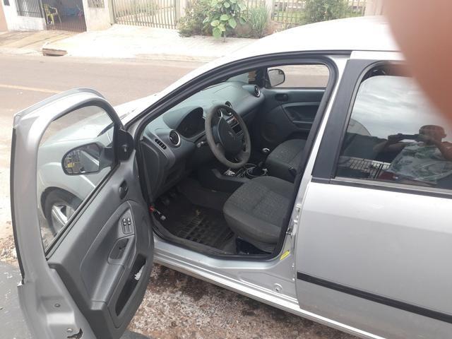 Ford fiesta hatch r$ 12.600 - Foto 3