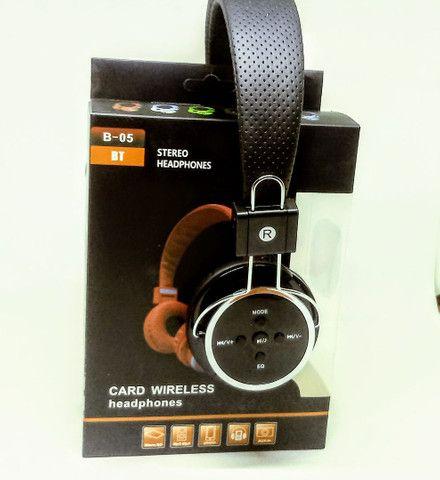 Fone de ouvido Bluetooth B05 Headphone Atende Chamadas Oferta - Foto 2